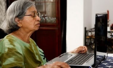 The Benefits of Seniors Using the Internet